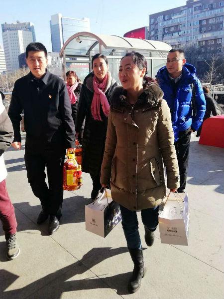 """北京西城区""""军转之家""""寒冬里的暖流"""